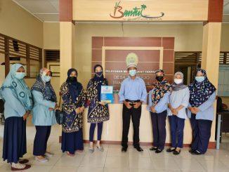 Tim PKM UNRIYO bersama Kepala Desa Triharjo Pandak II Bantul beserta para staf. (KalderaNews.com/ Ist