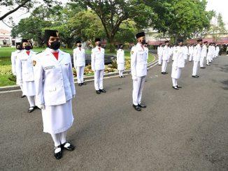 Tim Paskibraka yang bertugas untuk mengibarkan bendera Merah Putih pada Upacara Peringatan Detik-Detik Proklamasi Kemerdekaan RI, Selasa, 17 Agustus 2021 (