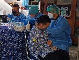 Vaksinasi di salah satu SMP di Yogyakarta. (KalderaNews.com/foto.Its)