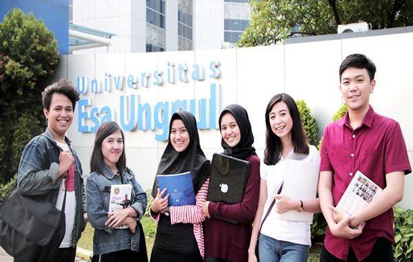 Mahasiswa Universitas Esa Unggul. (KalderaNews.com/Dok.UEU)