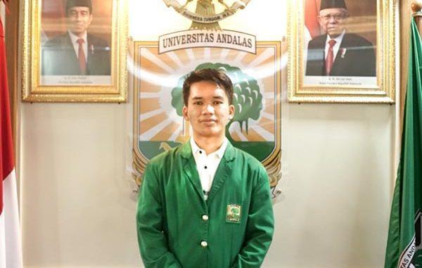 Refa Rahmaddiansyah, mahasiswa Universitas Andalas (Unand), pemenang Pemilihan Mahasiswa Berprestasi (Pilmapres) 2021. (KalderaNews.com/Dok.Unand)