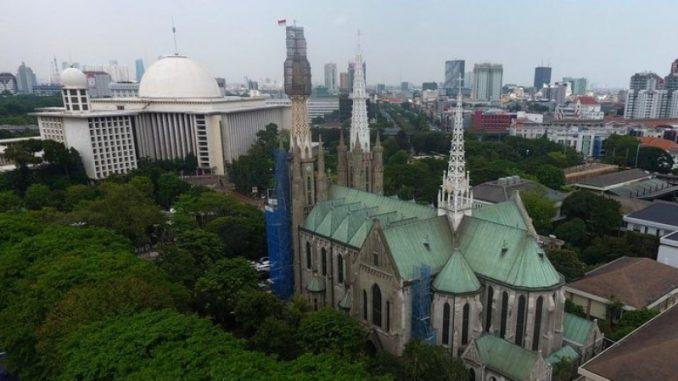 Ilustrasi: Katedral Jakarta dan Masjid Istiqlal. (Ist.)